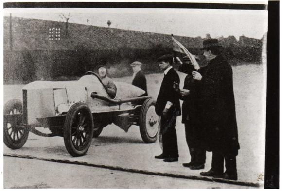 The Start of the Run - 12.43pm 15th February 1913