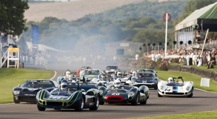 A sell-out crowd of 148,000 guests enjoyed a sensational 17th Goodwood Revival meeting last weekend at the Goodwood Motor Circuit.